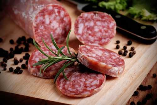 Состав, польза и вред сырокопченые колбасы