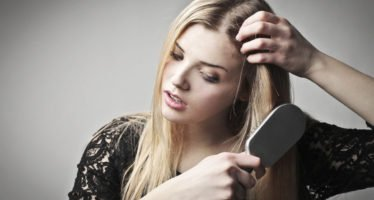 Выпадение-волос-у-женщин