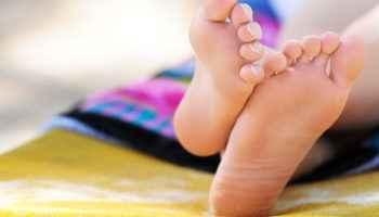 Гипергидроз стопы, симптомы и лечение