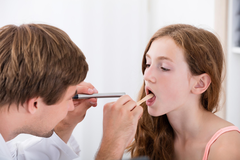 першение в горле и сухой кашель лечение