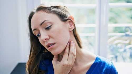 Народные средства от першения в горле и кашля